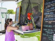 food trucks traverse city